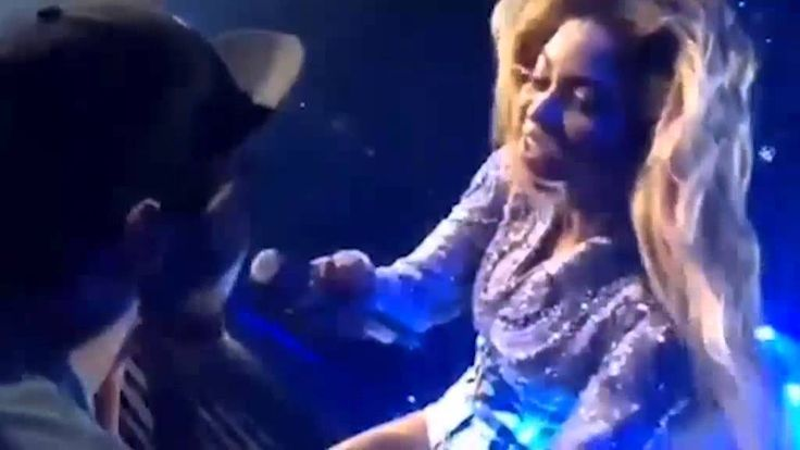 Beyonce Amazed By Singing Fan's Voice during a performance of 'Halo'