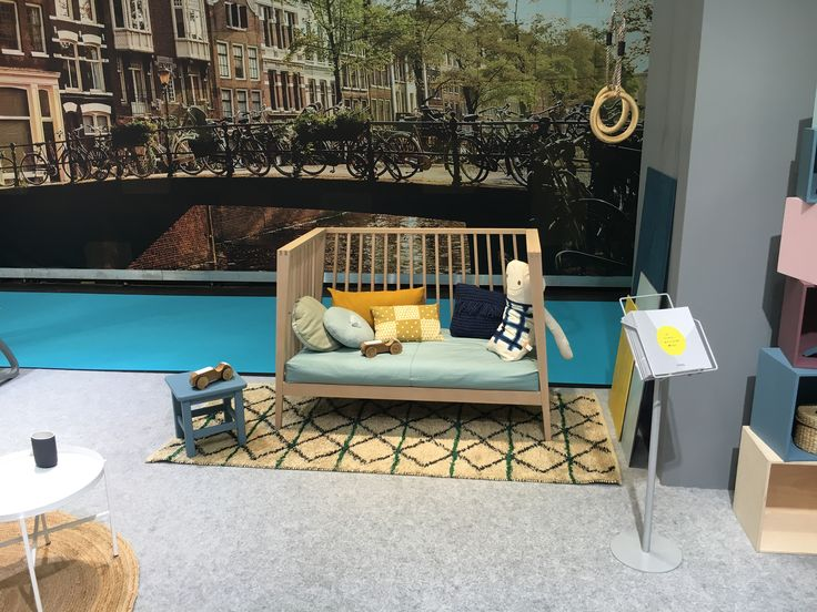 Linea by Leander baby cot at the Kind und Jugend fair