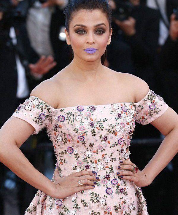 Cannes 2016: Aishwarya Rai Bachchan's purple lips created a stir on Twitter, here'show!