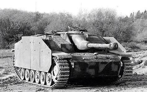 Pretty sure this is a Stug IV from the gun barrell pintel.                                                                                                                                                     More
