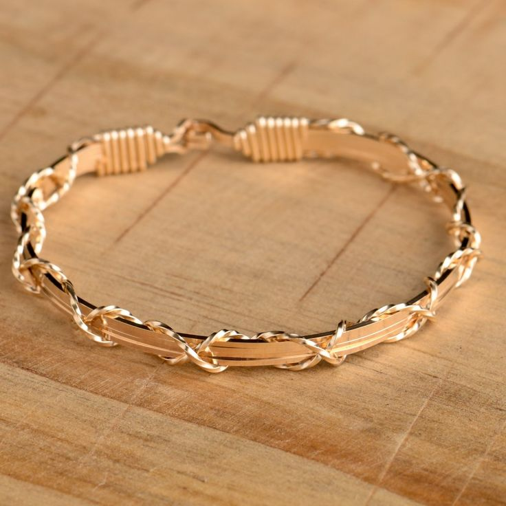 """The Ronaldo Collection - """"I love you"""" bracelet in Gold"""