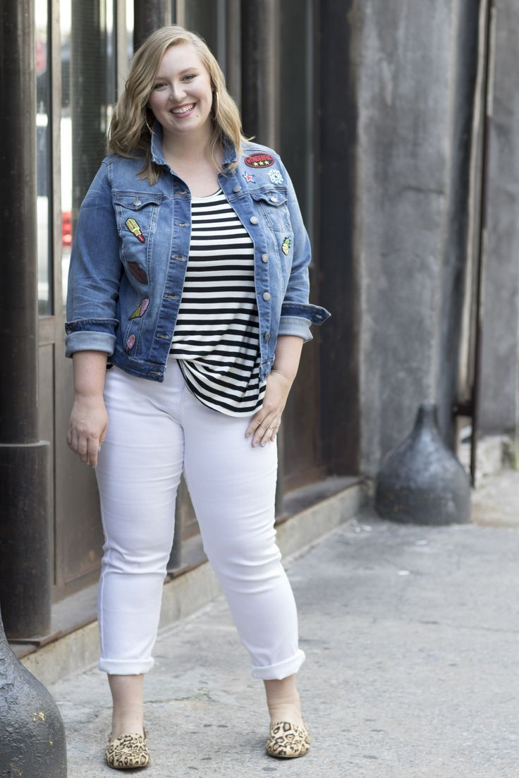 Plus-Size Fashion: Pair black-and-white stripes with white denim for a bold summer look.