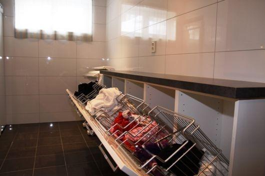 25 beste idee n over kast opberg oplossingen op pinterest kleine kast opslag kleine - Volwassen slaapkamer idee ...