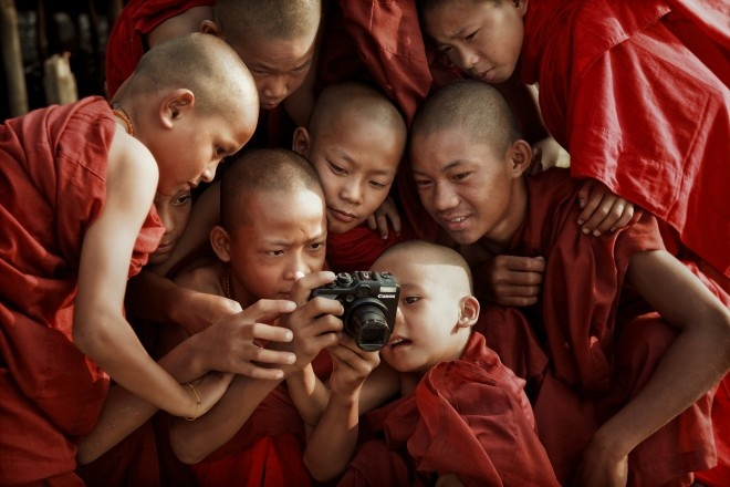 Myanmar-young monks