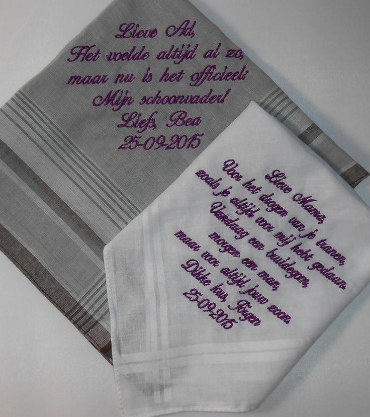 zakdoeken met paarse tekst geborduurd bruiloft http://www.borduurkoning.nl/shop/diversen/zakdoeken