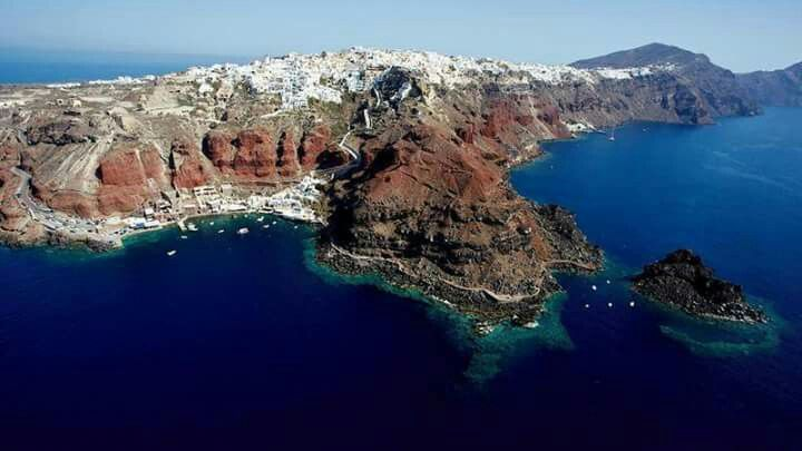 Arial view of Oia village, Santorini island, Greece. - selected by www.oiamansion.com
