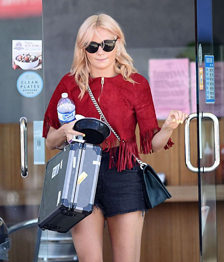 Pixie Lott – Out and About in Los Angeles : Global Celebrtities (F) FunFunky.com