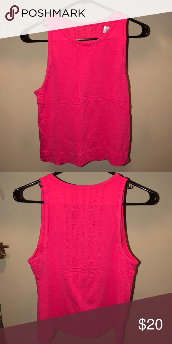 Oxygen Tank Summer Azalea color. Cropped style hits right above hips. Athleta Tops Crop Tops