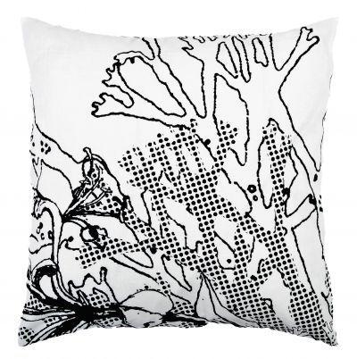 Mairo Myrten cushion cover in black. Designed by Anna Backlund.