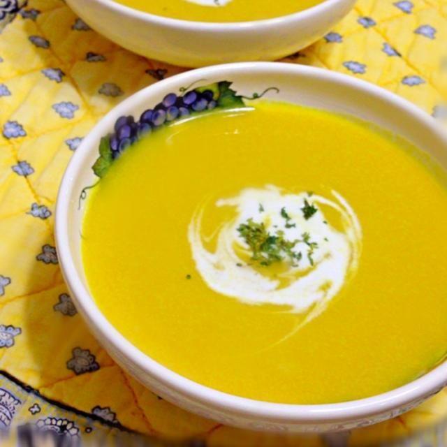 温めても冷やしても美味しい、冷たくするときは味を若干濃いめにしてください。 - 19件のもぐもぐ - ほんのり甘い冷製かぼちゃスープ by mococo36