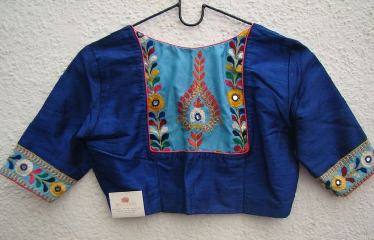royal-blue-kutch-work-blouses-from-house-of-taamara.jpg (740×476)