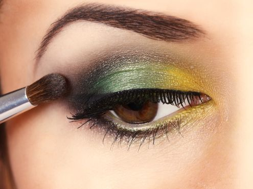 Маленькие хитрости: как увеличить глаза при помощи макияжа | BestWom