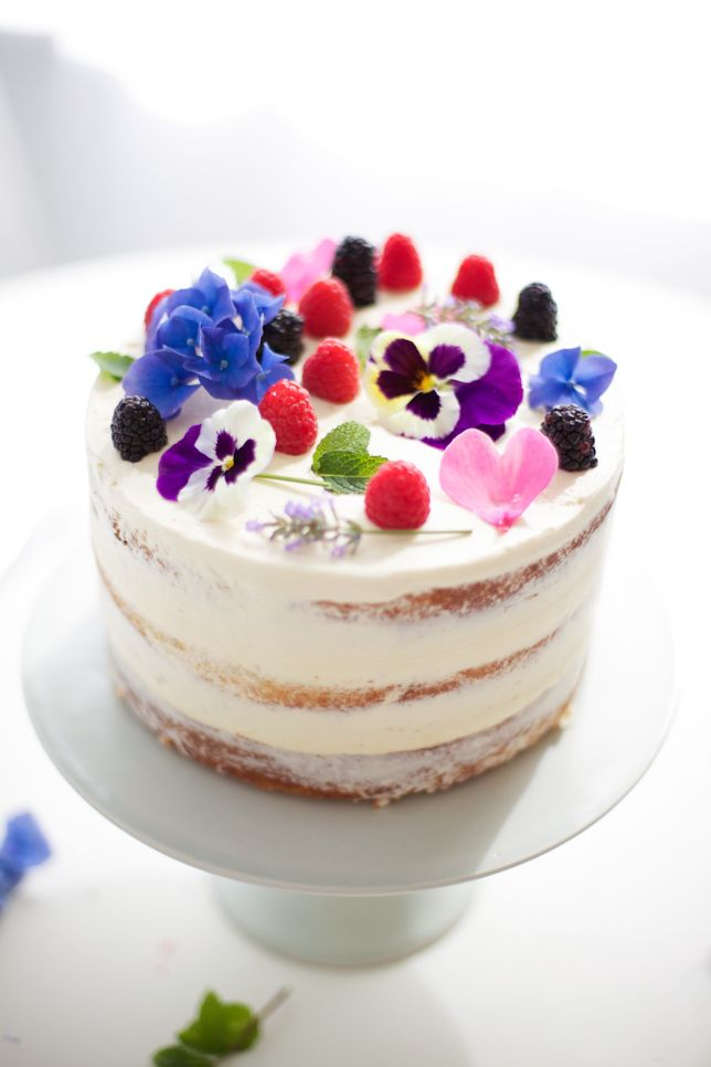 naked cake with flowers - coco cake land