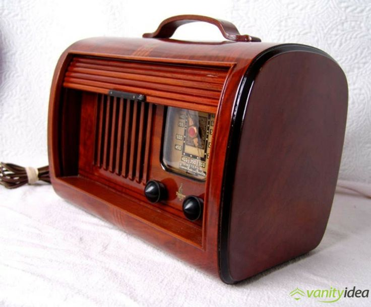 nice radio and valuable  pieces of art