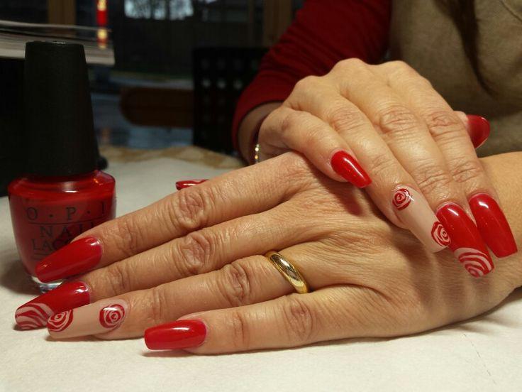 Ricostruzione unghie con cartina in gel - Scarlet Red KB e Nude 1 KB - nail art rose stilizzate positivo/negativo