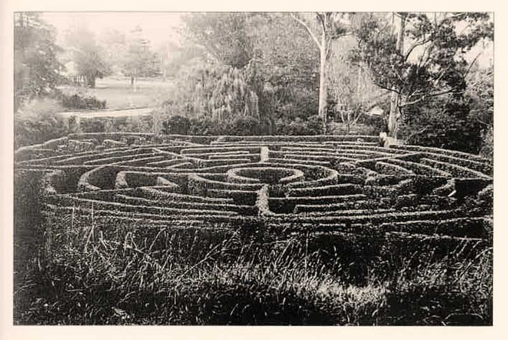 Labyrinth at the Dunedin Botanic Garden, c.1930  (Source: Dunedin City Council Archives, Photograph 194, digitally enhanced)