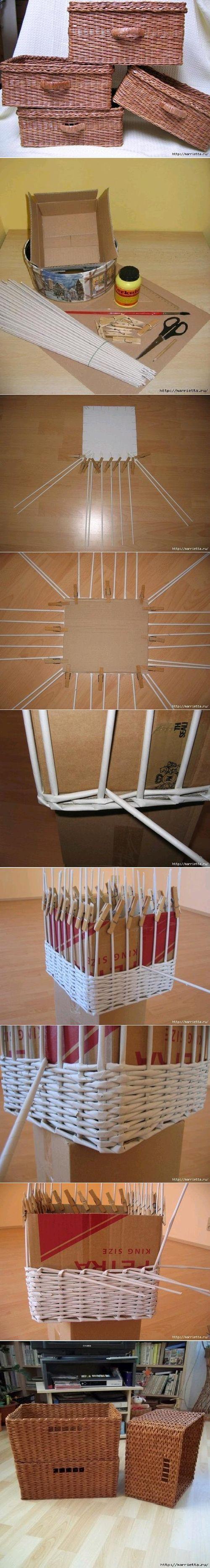 Canastos hechos con papel trenzado