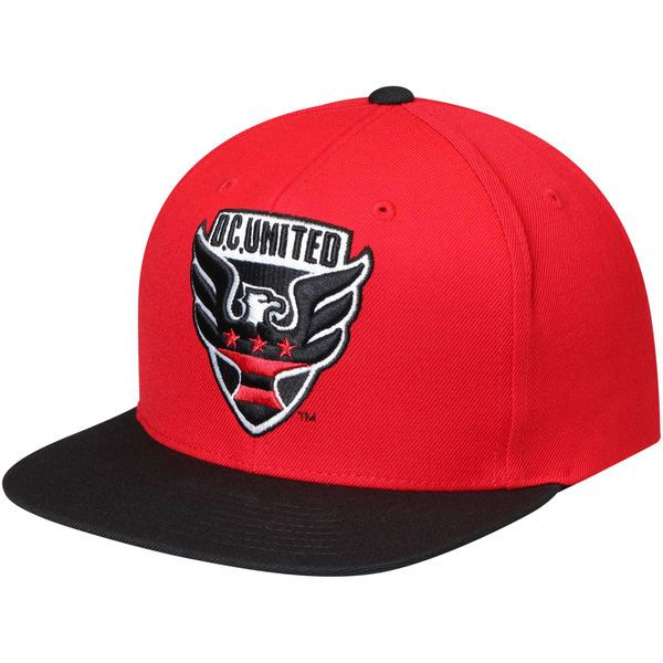 Men s D.C. United Mitchell   Ness Red Black XL Logo Two-Tone Snapback  Adjustable 0b6fa71a1048