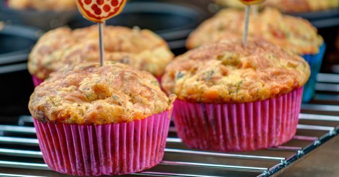 Recette de Muffins légers aux Knaki® et aux herbes. Facile et rapide à réaliser, goûteuse et diététique. Ingrédients, préparation et recettes associées.