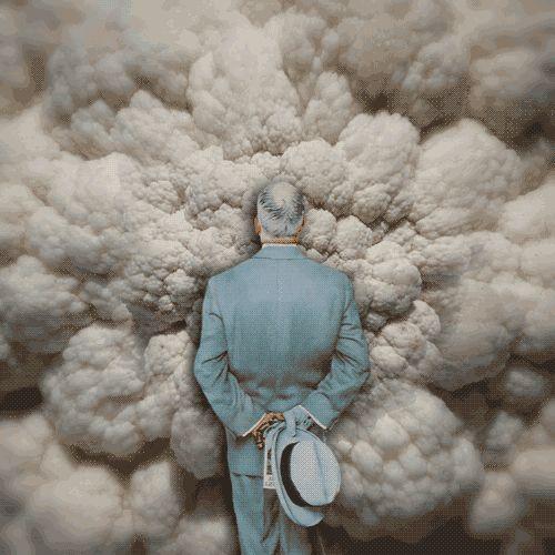 Alone in the clouds ! C'est autour du tableau « The Connoisseur » de Norman Rockwell que Kota Iguchi crée ses animations psychédéliques. A Norman Rockwell painting in psychedelic animations