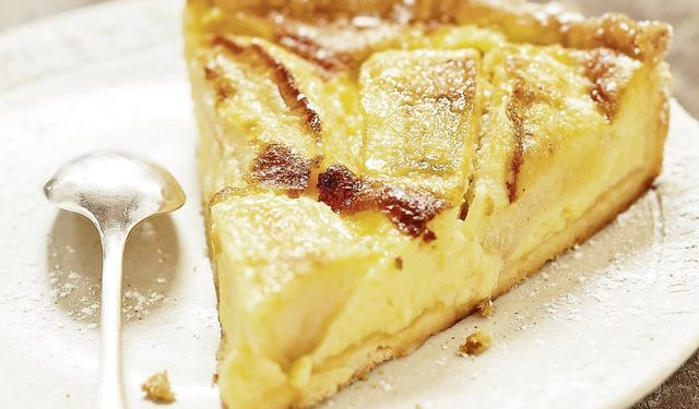 Jablkový múčnik trocha inak: Alsaský koláč so smotanou | DobreJedlo.sk