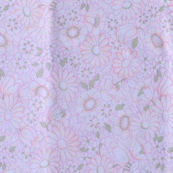 """<p>Taie traversin vintage avec un imprimé de paquerettes et fleurs dans les tons rose pastel<span style=""""background-color: transparent;"""">, état d'usage. Pour apporter une touche colorée et vintage à votre chambre ou utiliser le tissu pour une autre création ! On aime ce motif floral très seventies et si doux et délicat.</span></p>"""