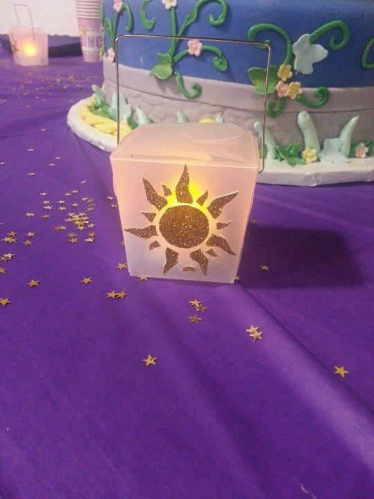 Rapunzel Lantern Centerpiece : Kid parties rapunzel and lanterns on pinterest