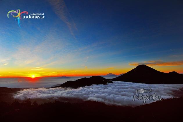 Matahari Terbit di Bukit Sikunir - dieng - Gallery - Potret-Negeriku - Kidnesia Online - Portal Anak Indonesia