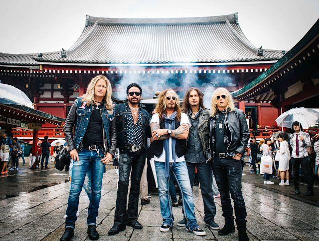 The Dead Daises en el Teatro Vorterix   LA SUPERBANDA DE HARD ROCK INTEGRADA POR JOHN CORABI DOUG ALDRICH MARCO MENDOZA BRIAN TICHY Y DAVID LOWY POR PRIMERA VEZ EN ARGENTINA.  Influenciados por el rock de los 70 y principios de los 80 el sonido de The Dead Daisies es conmovedor y accesible - partes iguales de Aerosmith Bad Company y Foreigner: fuertes voces riffs de blues grandes coros melodías potentes y gancheras. Con músicos estelares y excelentes shows en vivo. Los fans de todo el mundo…