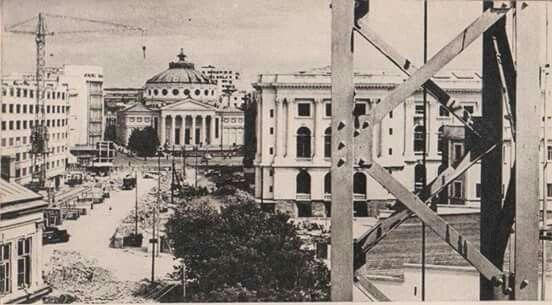 """""""Sala Palatului"""" în construcție,  1959"""
