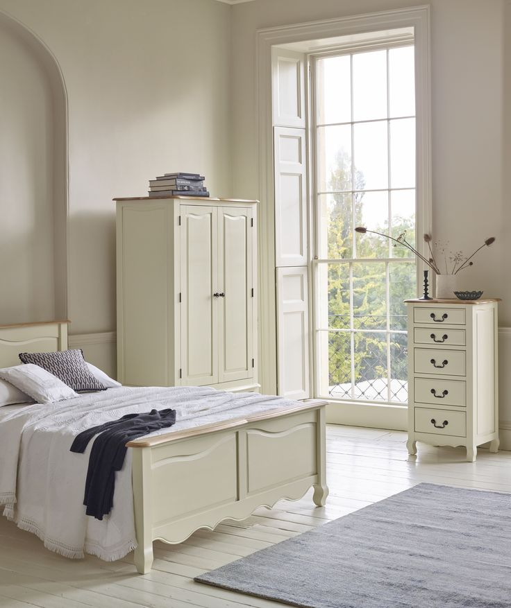 The Bella Collection Is A Beautiful Combination Of Solid Oak And Acacia. The  Bella Brushed Oak And Cream Painted Collection Combines The Elegance Of  Brushed ...