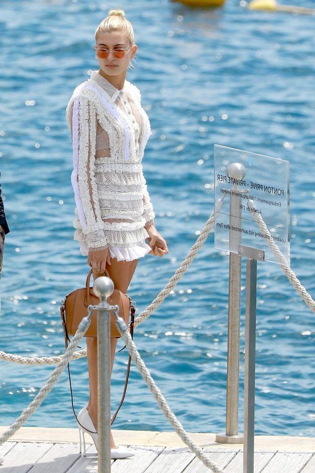 Moins attendu que l'Eden Roc, le yacht est le spot préférentiel des tops, de passage au Festival de Cannes 2017. La preuve en images.