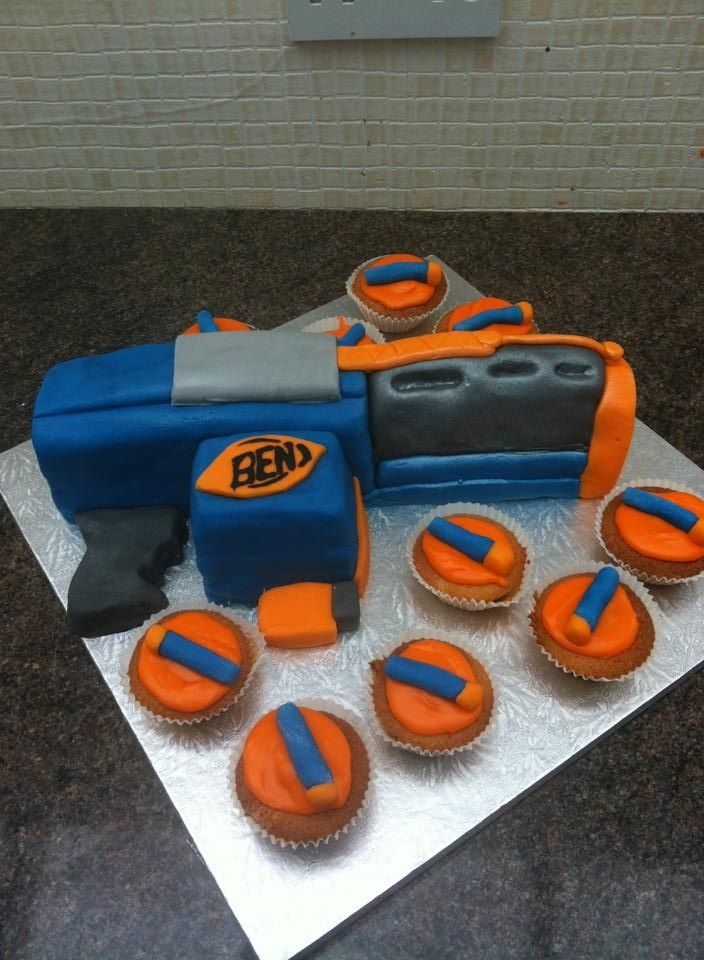 Best Cake Decorating Gun : 26 best images about Nerf gun cake on Pinterest Birthday ...