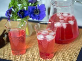 Redcurrant cordial (syrup)
