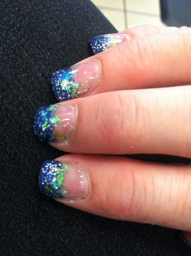 Fashion Nail Trend: Seahawks Nail And Make-Up