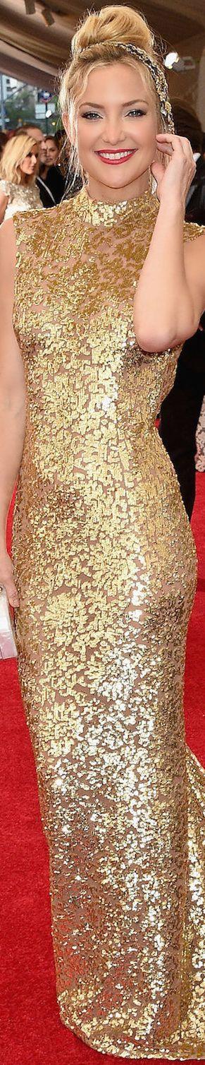 Kate Hudson in Gold Michael Kors