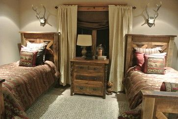 Rustic bedroom design ideas pictures remodel and decor for Hunting cabin bedroom