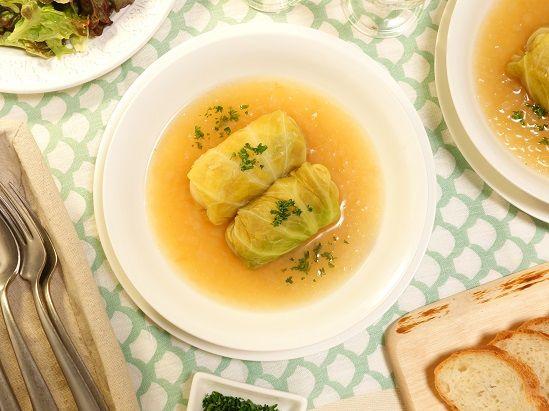 ソーセージを使えばお手軽簡単~♪キャベツと玉ねぎの優しい甘さが美味しい~!!ローリエとにんにく香る~☆シンプルソーセージロールキャベツ煮込み5 -Recipe No.1605-