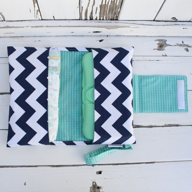 Diaper clutch - Navy Chevron From The Pleated Poppy - i love @lindsey cheney!                                                                                                                                                                                 Mais