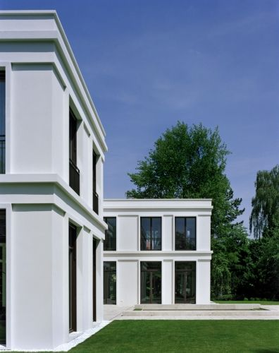 Another view of the Villa Vogelsang by the German office Hoehne Architekten.