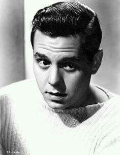...a young desi arnaz...so handsome...