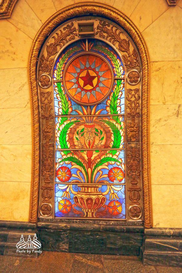莫斯科地鐵建成80周年:美輪美奐的地下宮殿