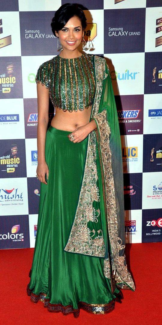 Esha Gupta #Bollywood #Fashion | Find more bridal lengha inspiration at www.shaadibelles.com