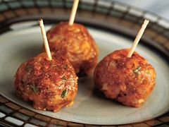 Spicy Sausage-Cranberry Cheese Balls
