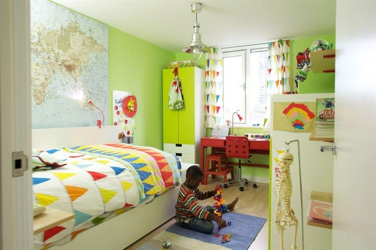 A child's bedroom makeover with a nautical theme featuring IKEA STUVA units and VITAMINER VIMPEL curtains!