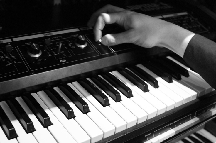 Roland Jupiter-4 Compuphonic fiddling.