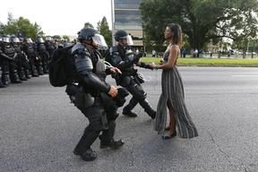 Reuters Pictures - USA-POLICE/PROTESTS