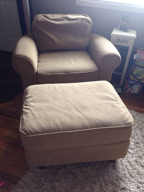 ottoman with chairs inside 3