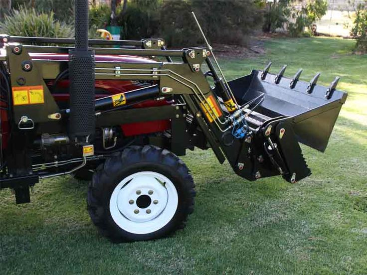 cheap small compact 30hp tractor luzhong backhoe slasher front end loader   TANNERTRACK