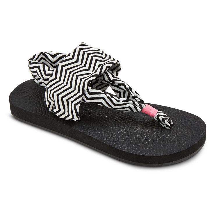 Girls' Hope Yoga Zig-Zag Flip Flop Sandal Circo - Black/White XL, Girl's, White/Black